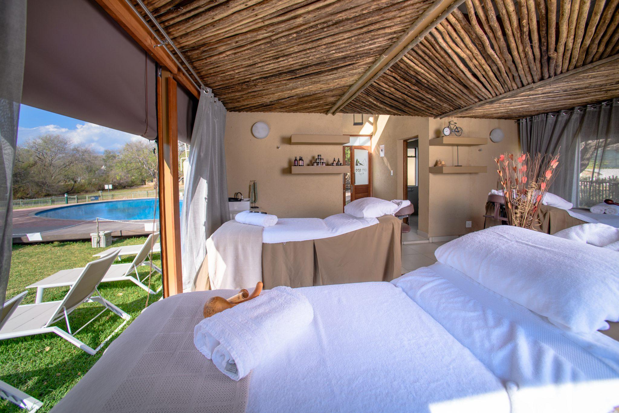 Outdoor massage beds
